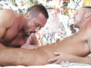 Bearded twink guy pleases his boyfriend with tight blowjob