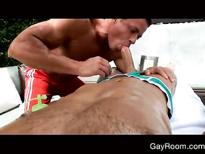 Strong masseur excites his client dude and fucks him hard