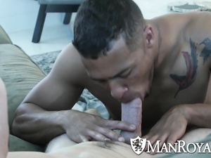 Huge muscled hunk is sucking boyfriend's huge cock