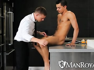 Fine Caucasian gay gets friend's big cock sucked