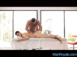 Strong twink masseur is pleasing his gay client with hot anal fuck