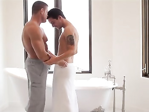 Handsome gay boys take bath together in porn video