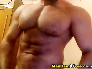 Twink brags his tight muscled body and sexily poses